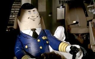 Xuxo disfrutando del simulador de vuelo